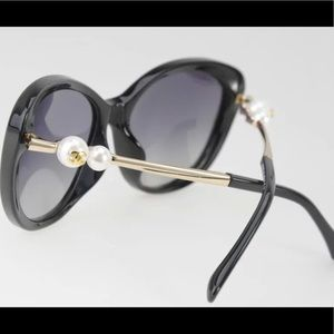 Chanel pearl collection sunglasses